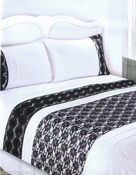 Double Size Sharon White Black Embellished Duvet Cover Set